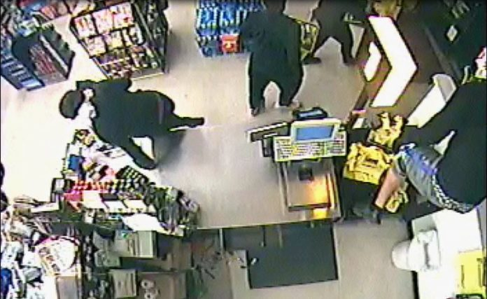 Sumter County Detectives Search for Suspects in Dollar General Burglary