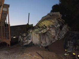 Trains collide in Citra